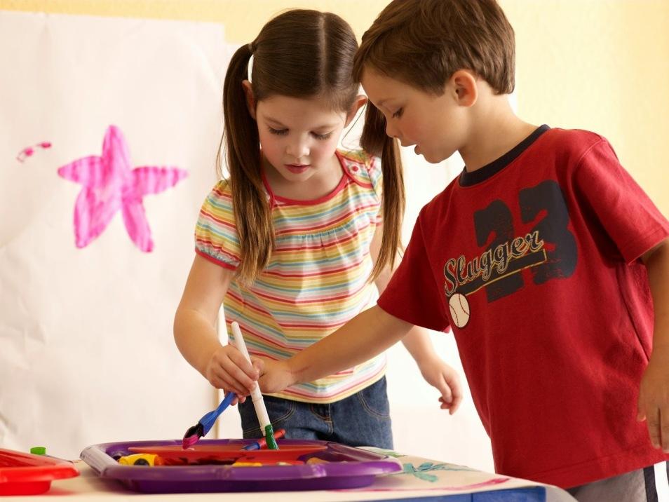ÇOCUĞUNUZU LİDER OLARAK YETİŞTİRMENİN 8 YOLU   6-Çocuklarınızın Kendi Problemlerini Çözmelerine İzin Verin. ile ilgili görsel sonucu